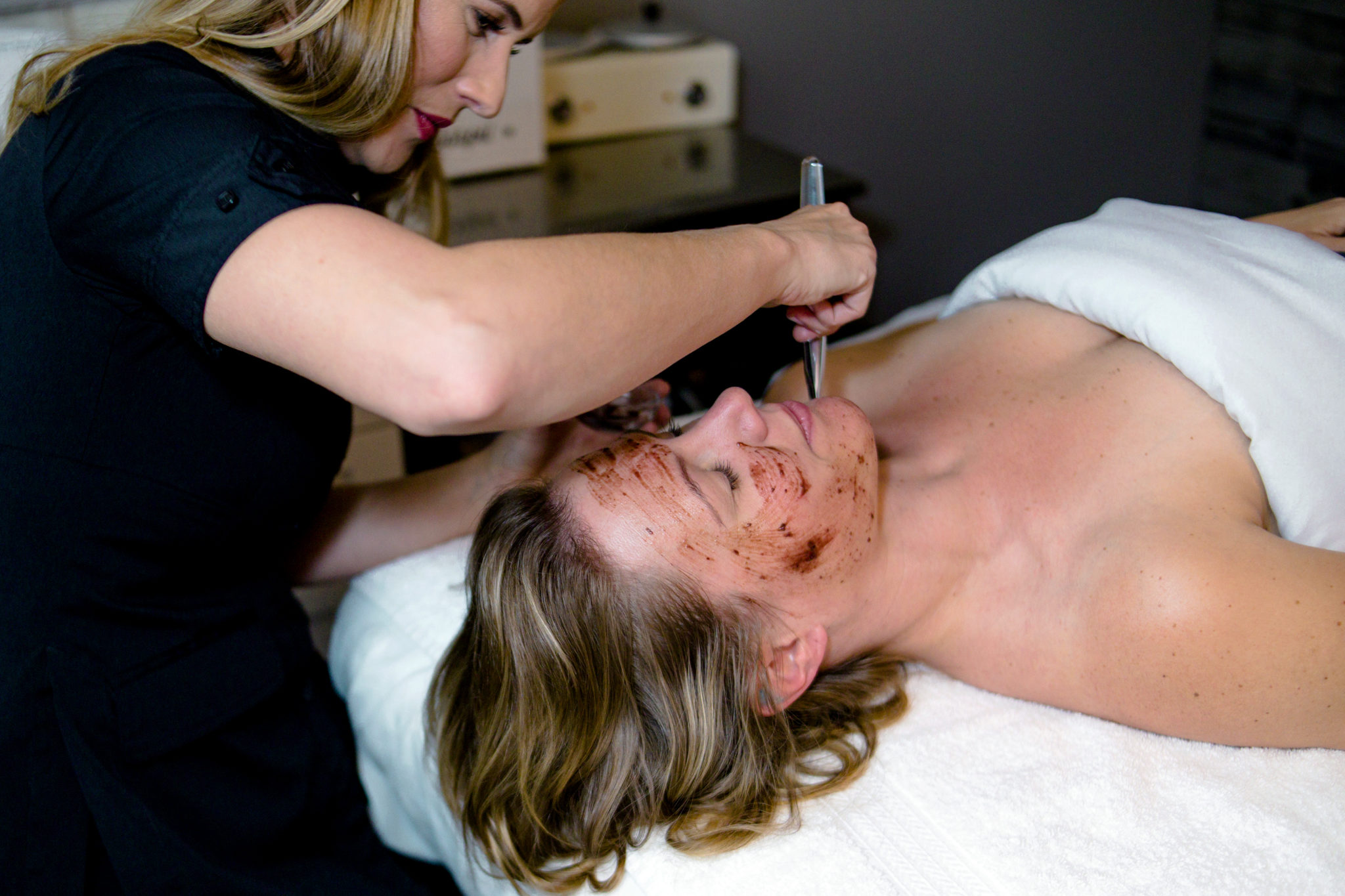 Facials peels waxing at T L Spa San Diego, Point Loma, Midway